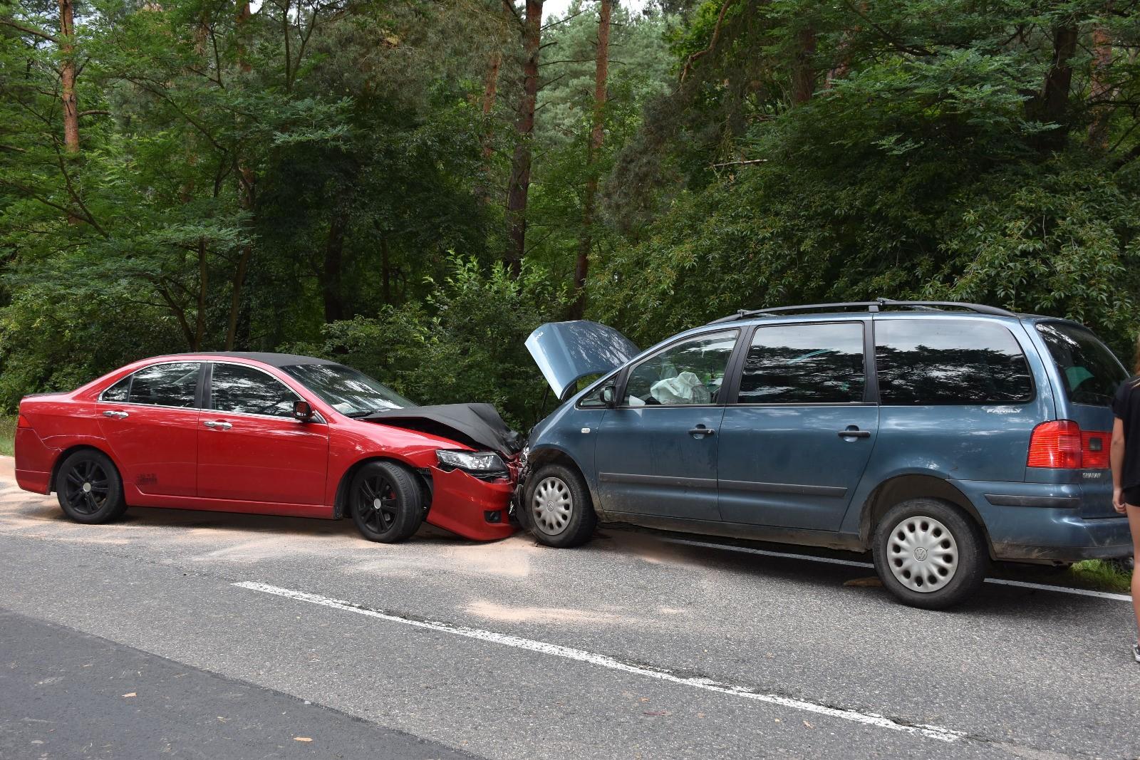 Wypadek aut z dziećmi na pokładzie na trasie Chocianów - Polkowice