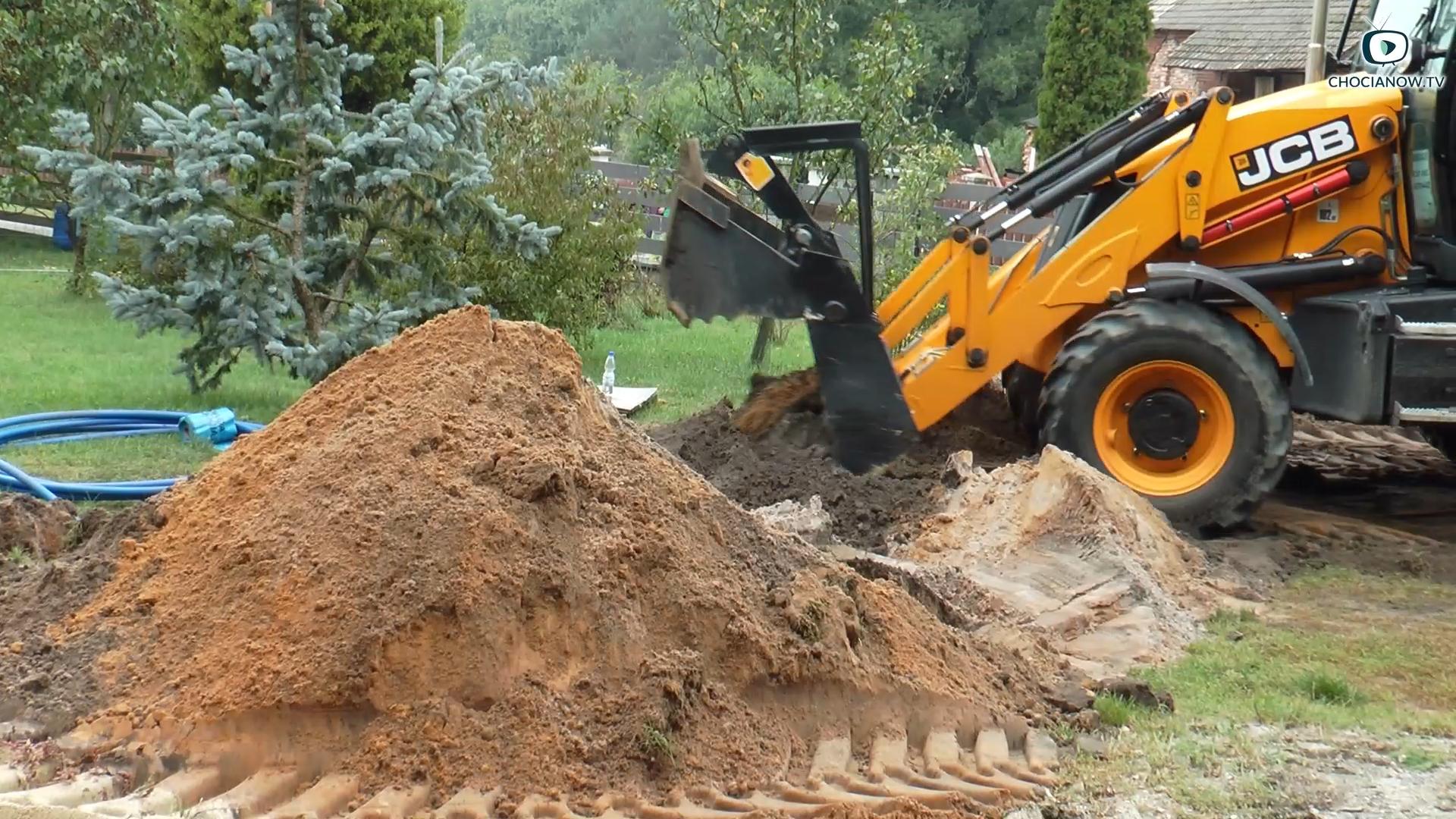 Kolejne domy podłączone do wody (wideo)