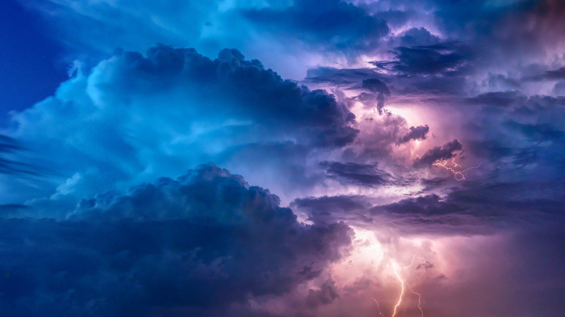 Możliwe burze, deszcz i silny wiatr