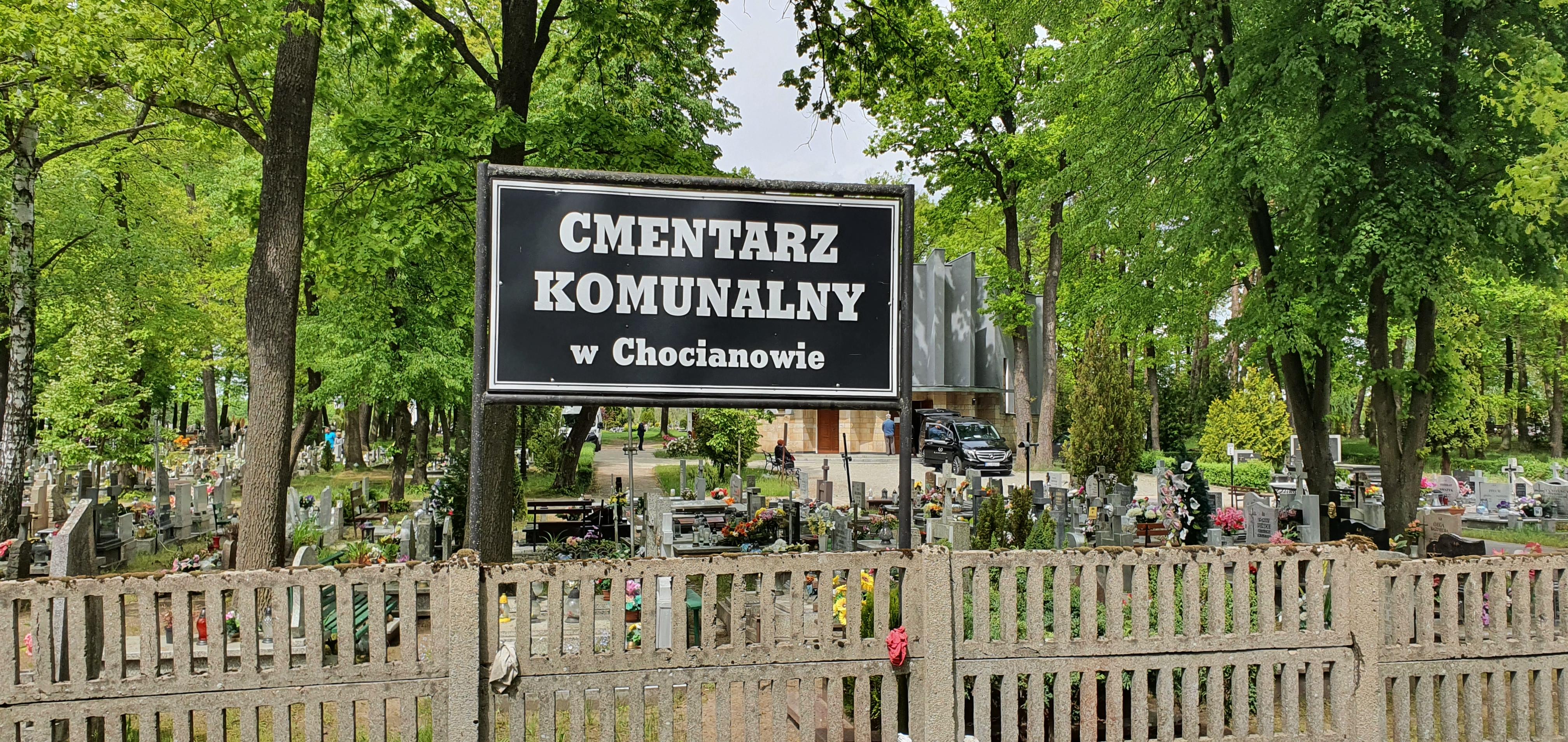 Ułatwili kontakt z administracją cmentarza