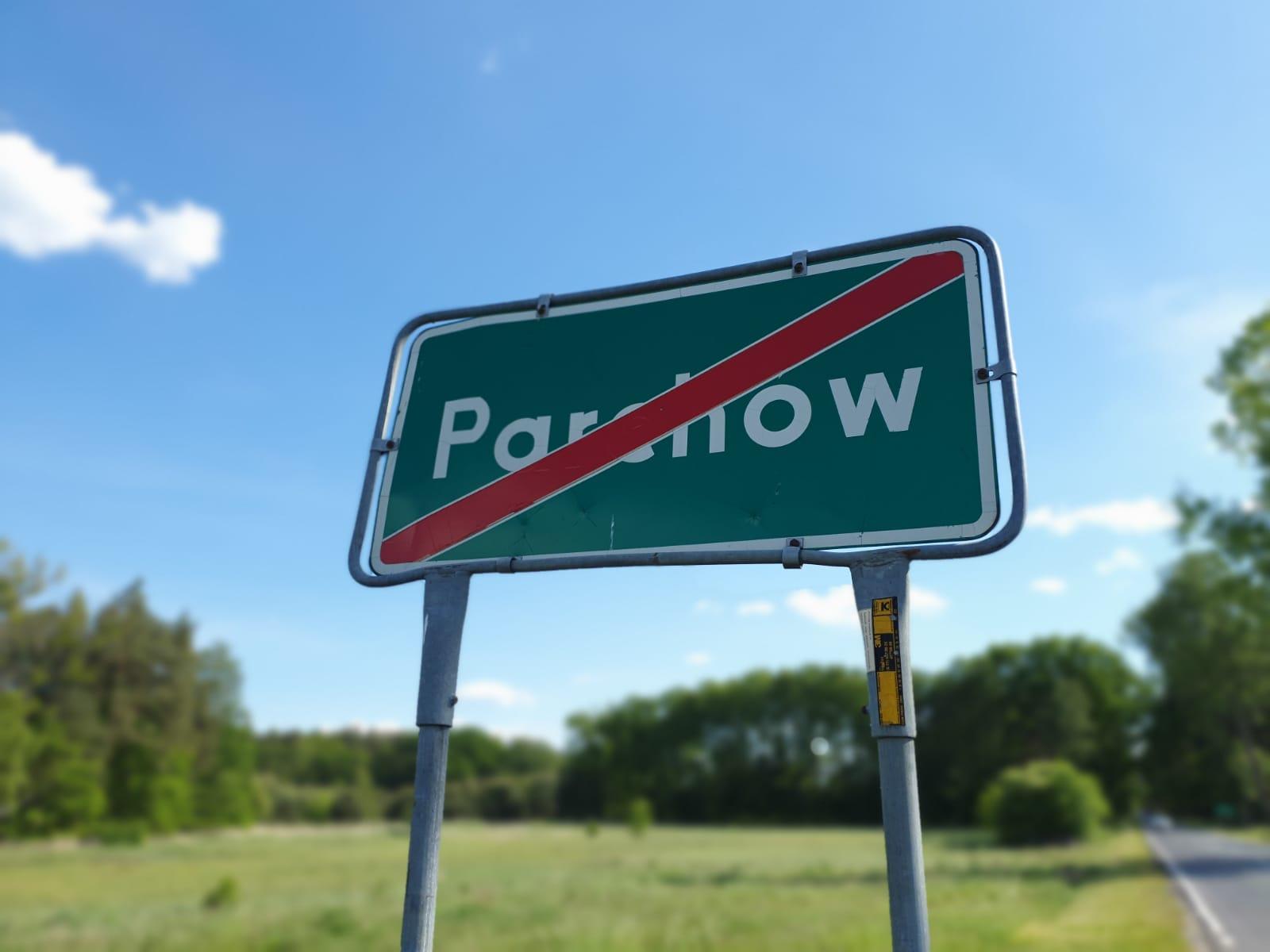 Kto manipuluje mieszkańcami Parchowa?