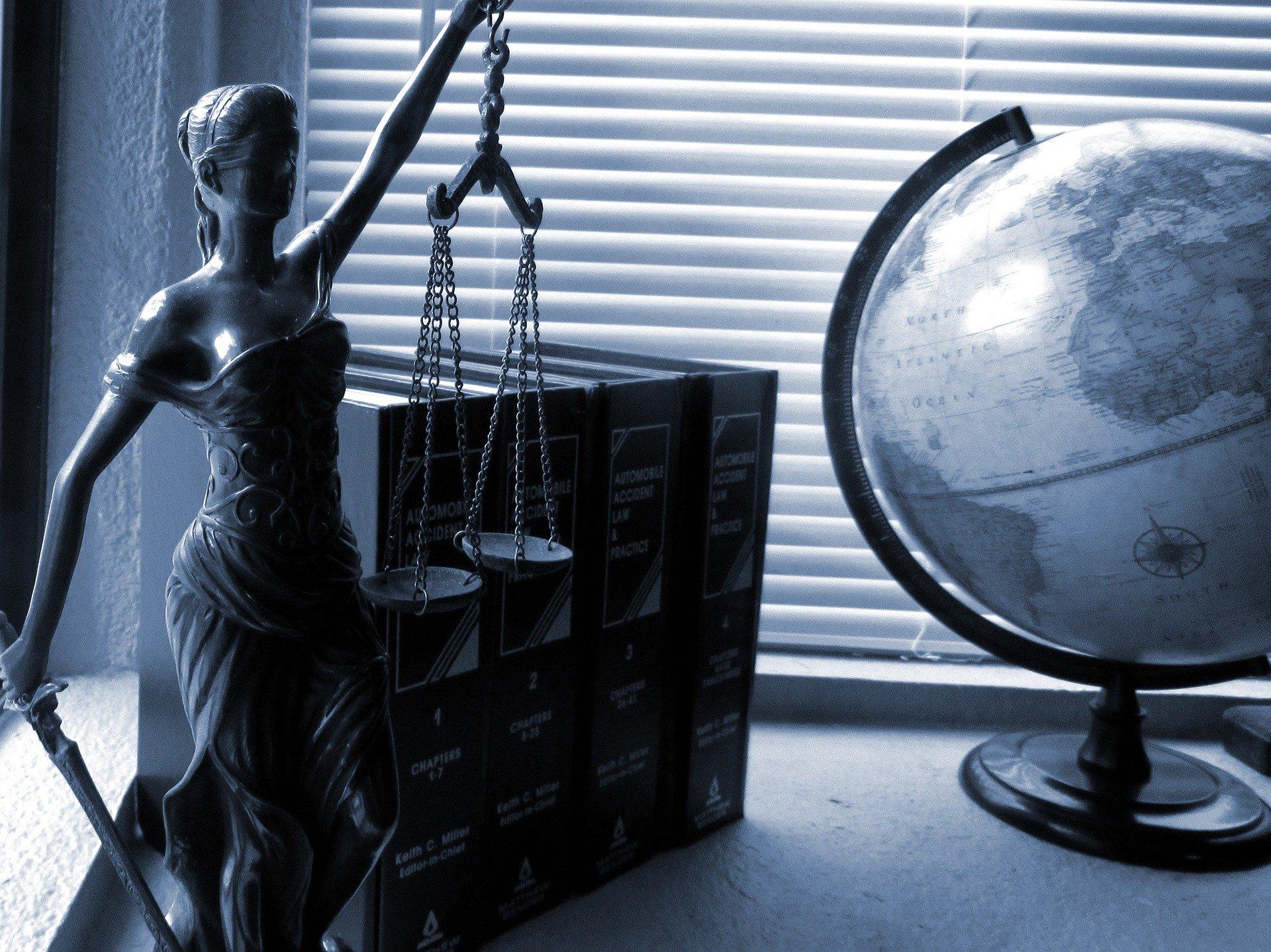Porady prawne osobiście nie prędzej niż w połowie czerwca