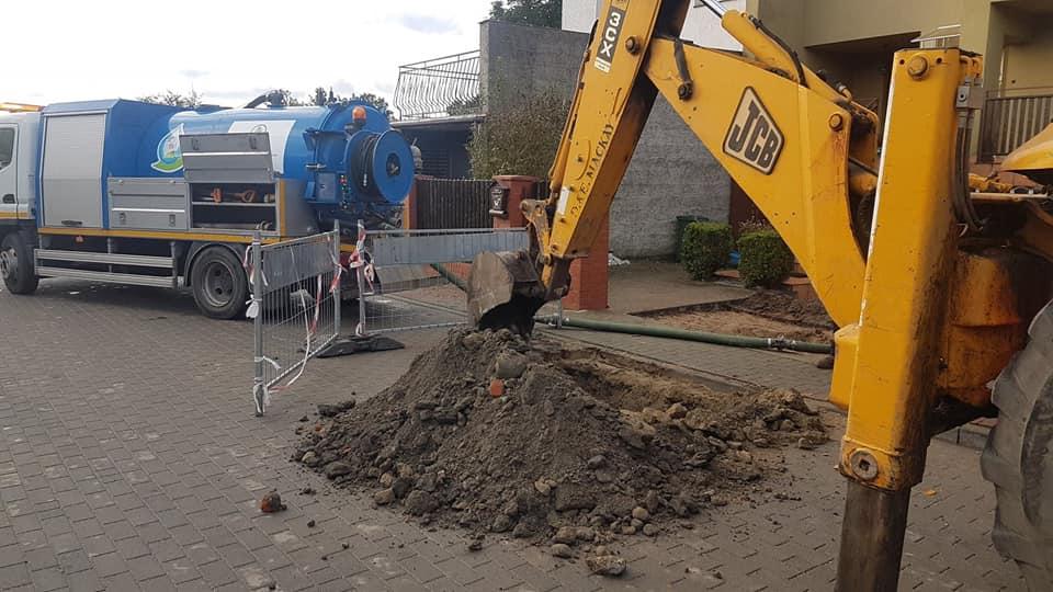 Służby wodociągowe znowu w akcji