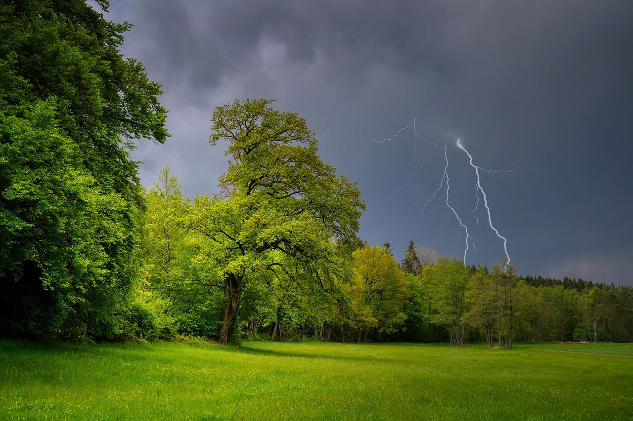 Aktualnie dwa ostrzeżenia. Oprócz upałów także burze z gradem!