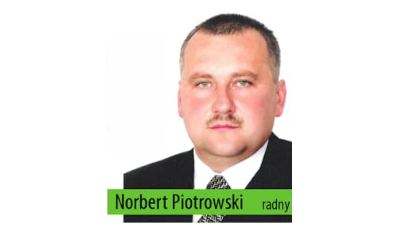 Piotrowski hejtuje czy pomaga?