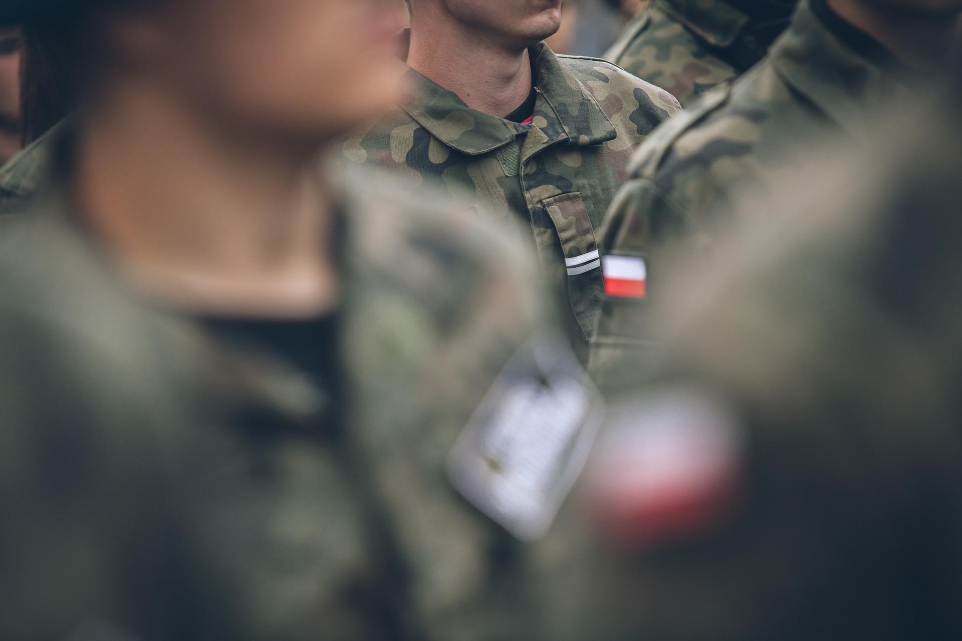 Bezrobotnych wezmą do wojska