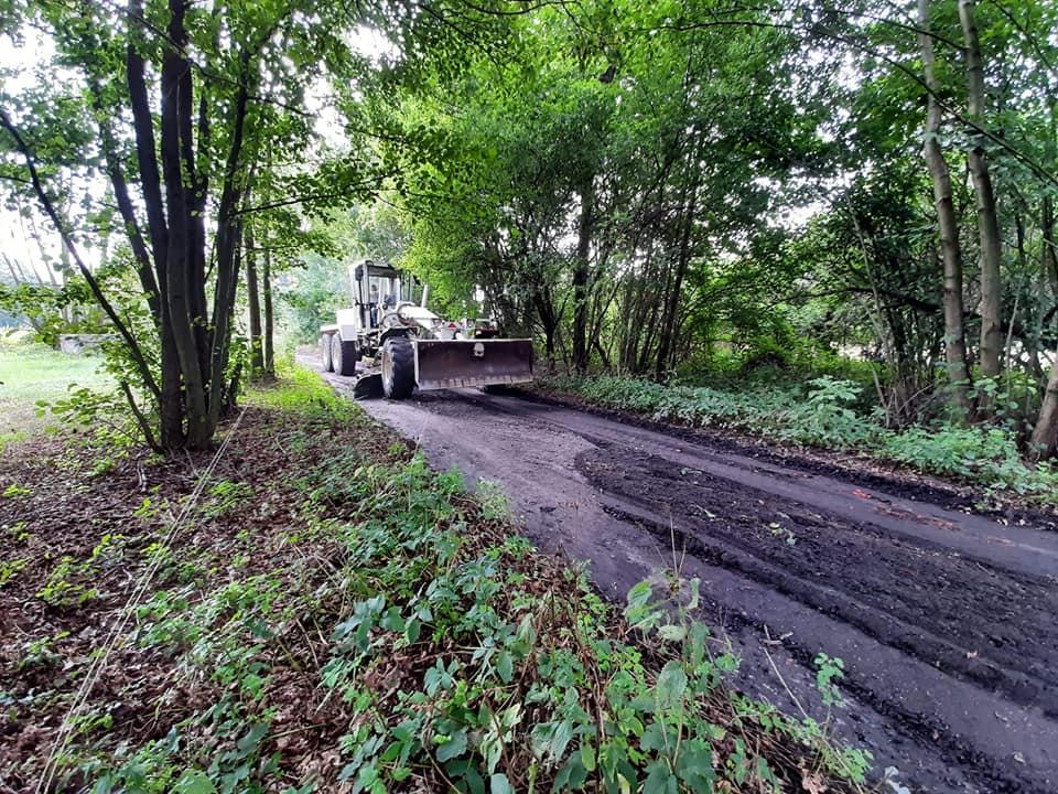 Remontują drogi gruntowe