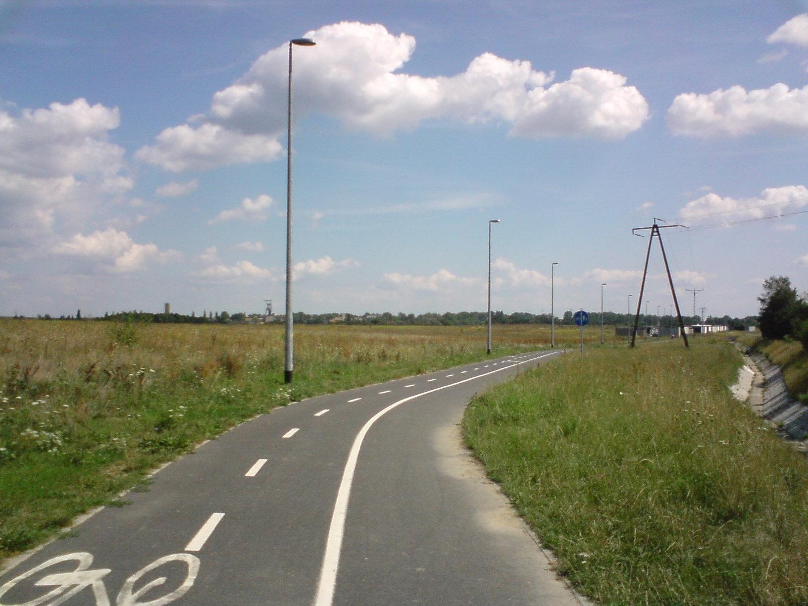 Droga rowerowa coraz bliżej