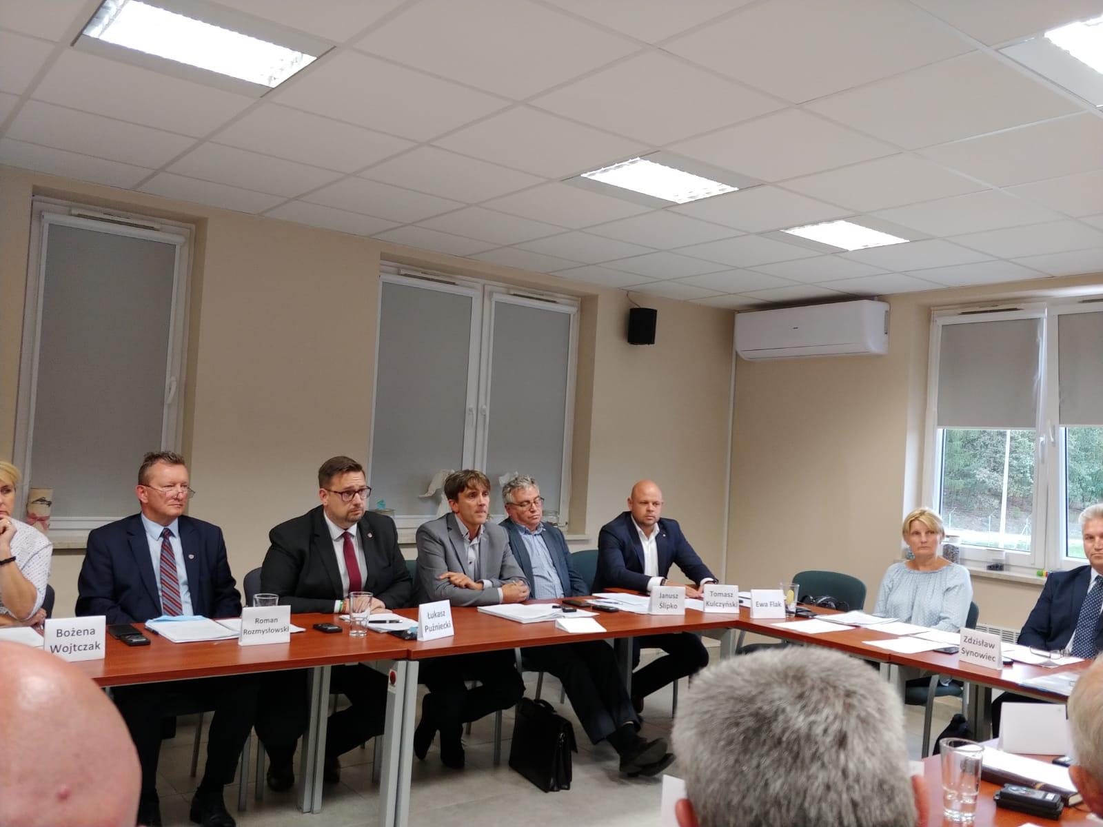 Tomasz Kulczyński jako jedyny Burmistrz przeciw wzrostom opłat za gospodarkę odpadami