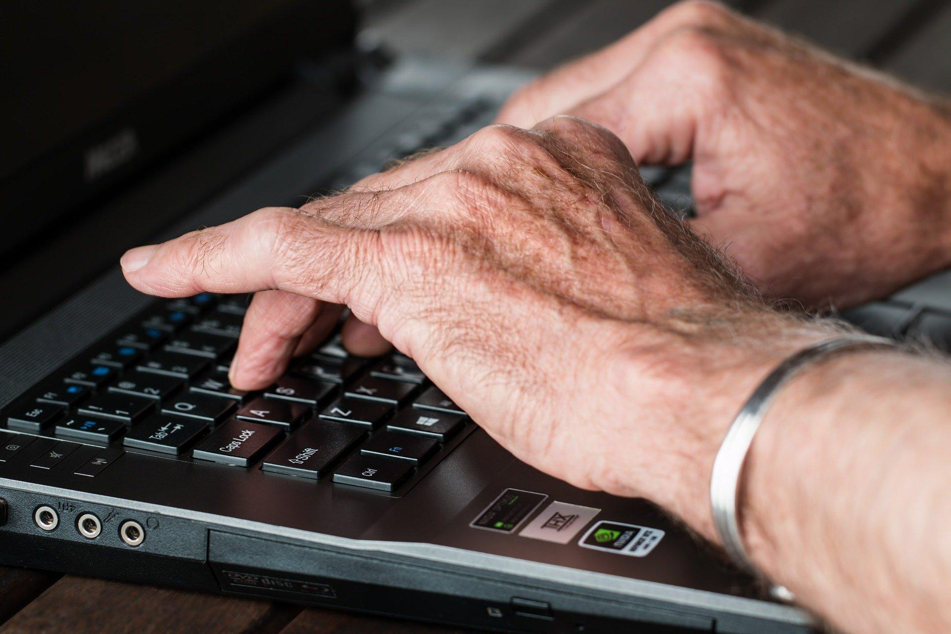 Szkoły i przedszkola wolą e-maile
