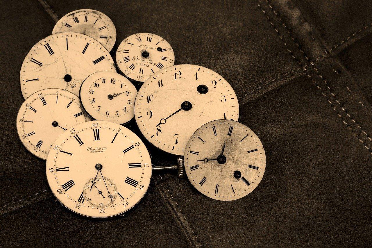 Tej nocy zegarki zwariują - pośpimy godzinę dłużej