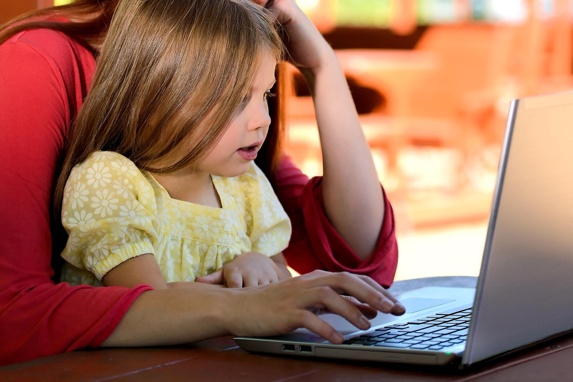 ARiMR przypomina o rozliczeniu dotacji na komputer dla dziecka