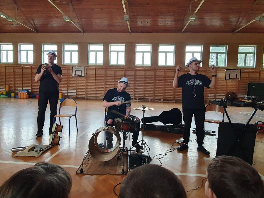 W perkusyjnym rytmie po krańcach świata (zdjęcia)