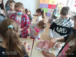 Sensoryczne zabawy uwiecznione na zdjęciach (galeria)