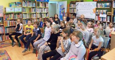 Spotkanie dzieci z Tomaszem Szwedem w Bibliotece Publicznej w Chocianowie