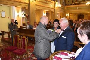 Burmistrz wręczył burmistrzowi