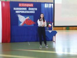 Koncert w wykonaniu uczniów z okazji Śwęta Niepodległości