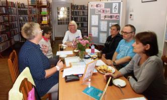 W bibliotece odbyło się spotkanie z gośćmi ze Stowarzyszenia Pomocy Dzieciom i Dorosłym Specjalnej Troski