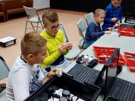 Zajęcia z robotyki w RCK cieszą się dużym powodzeniem