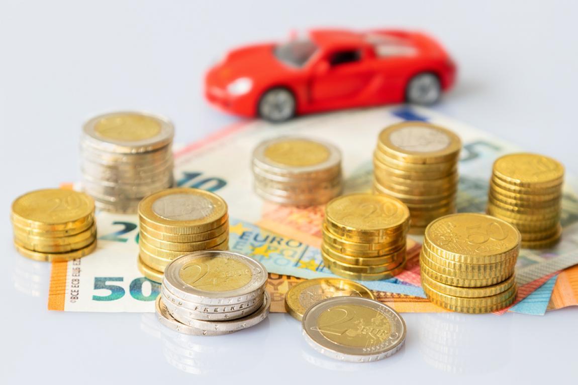 Oferta pożyczki i e-mail dotyczący inwestycji