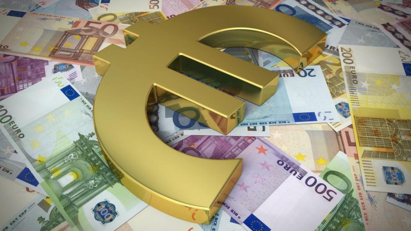 Oferuje pożyczki i inwestycje prywatne od 10 000 d